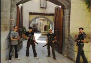 """عناصر من الجيش السوري الحر في موقع تصوير """"باب الحارة"""" بريف دمشق - تموز 2013"""