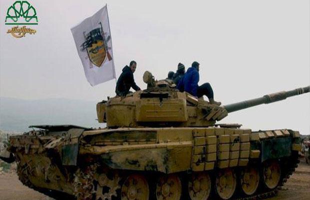دبابة تابعة لجيش الإسلام تشارك في المعارك