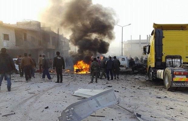 إحدى غارات الأسد على خان شيخون 2-2-2015
