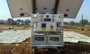 جهاز تنقية المياه باستخدام الطاقة الشمسية في مخيم حمد العمّار - ريف إدلب الشمالي