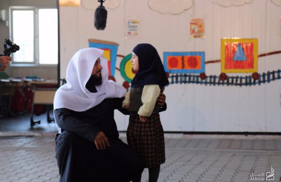 زيارة العريفي إلى مخيمات السوريين في تركيا
