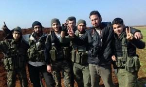 أرشيفية- مقاتلون من الجيش الحر على جبهات مدينة تل رفعت (فيس بوك)