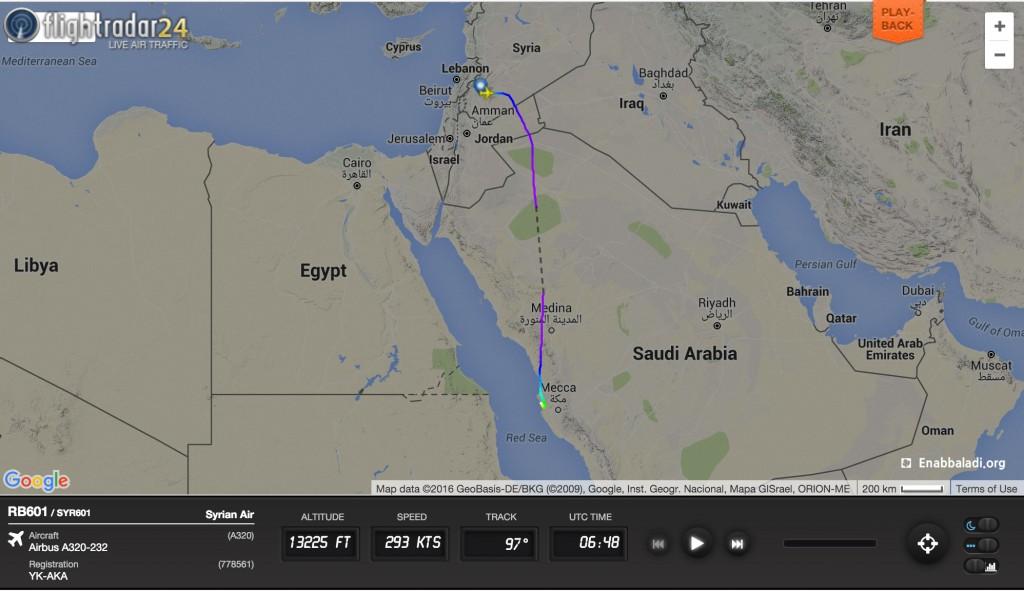 خريطة توضح مسيرة الطائرة وموعد هبوطها في جدة