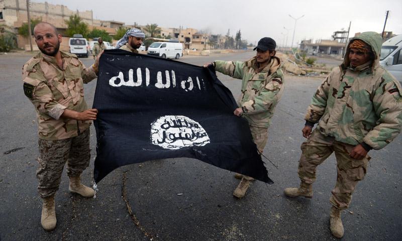 مقاتلون في ميليشيات موالية قوات الأسد - 28 آذار 2016 (AFP)