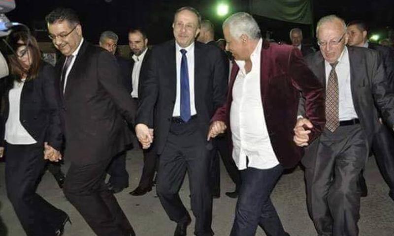 """حلقة """"دبكة"""" احتفالًا بالانتخابات البرلمانية في دمشق، الأحد 10 نيسان."""