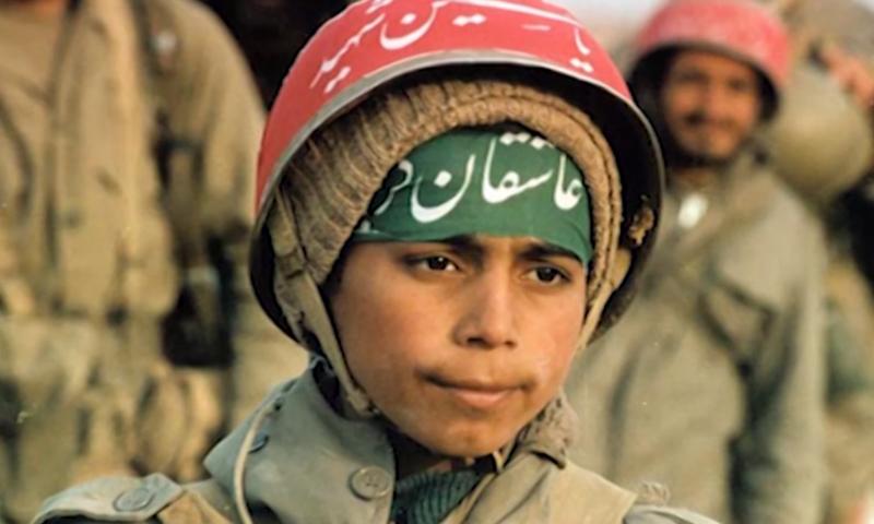 تسعى إيران لتجنيد الأطفال للقتال في سوريا (وكالات).