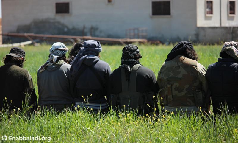 عناصر من المعارضة في ريف حلب الجنوبي، السبت 2 نيسان، المصدر: عنب بلدي.