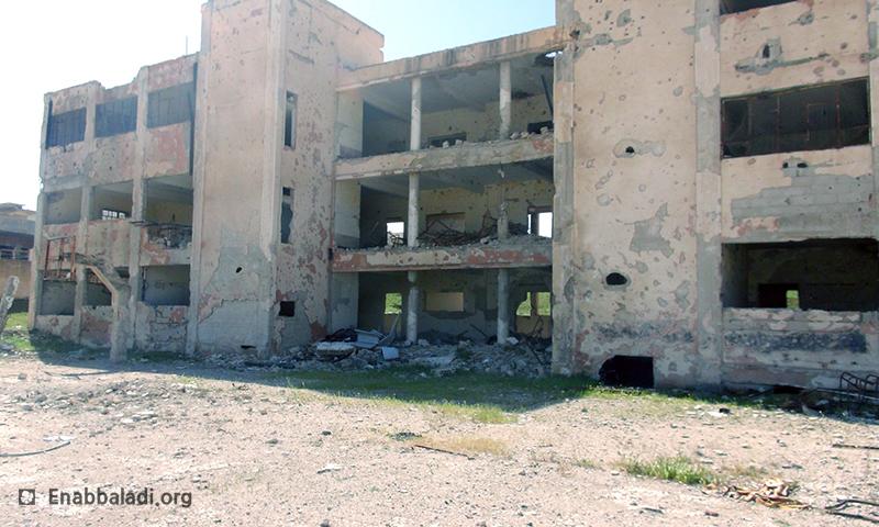 مدرسة مدمرة في مدينة درعا، عنب بلدي.