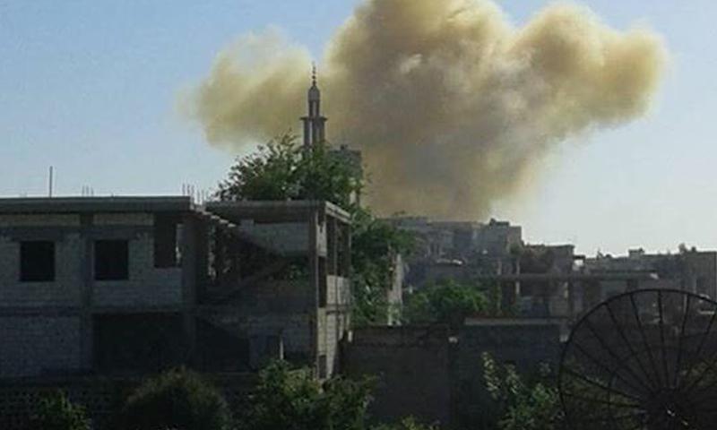 غارات على بلدة تلدو في ريف حمص، الاثنين 18 نيسان.