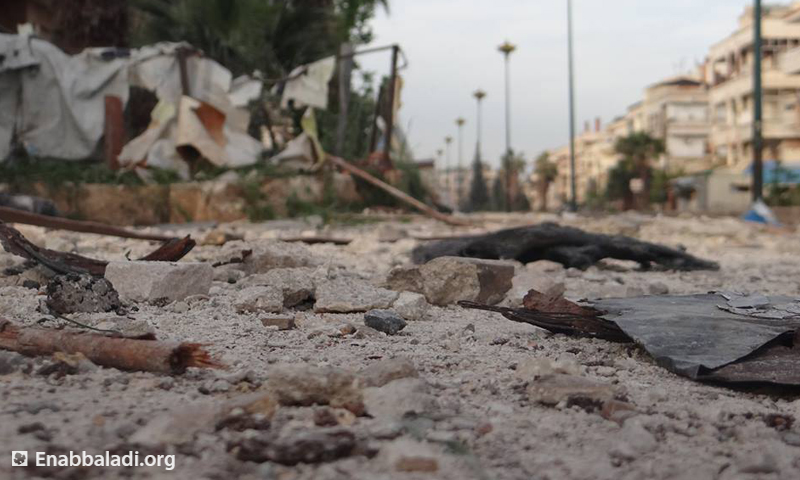 آثار الدمار في حي الوعر، السبت 2 نيسان، المصدر: عنب بلدي.