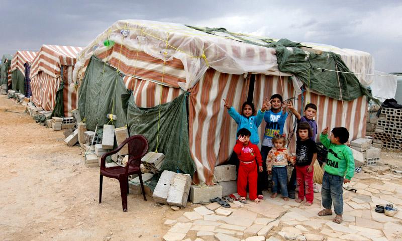 أطفال سوريون في مخيم بعرسال لبنان - تشرين الأول 2016 (إنترنت)