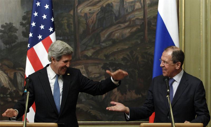 وزير الخارجية الأمريكي جون كيري والروسي سيرغي لافروف