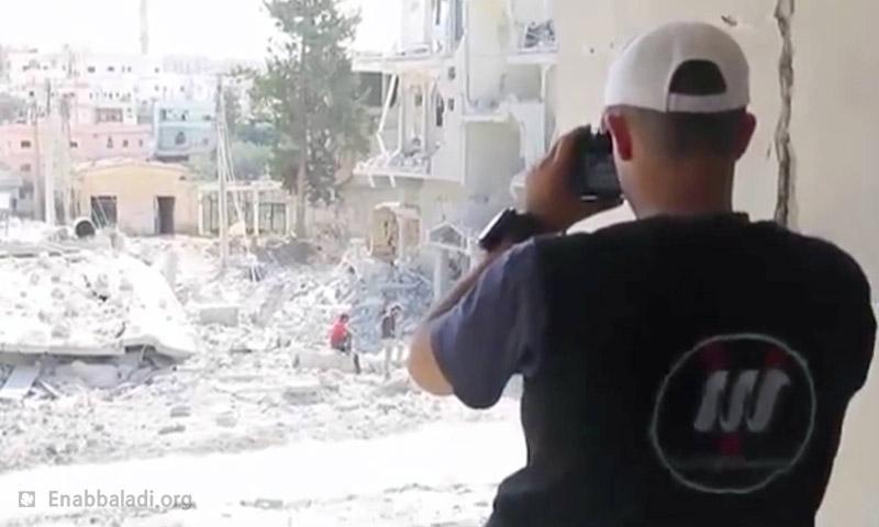 مصور في مؤسسة نبأ للإعلام في درعا (عنب بلدي)