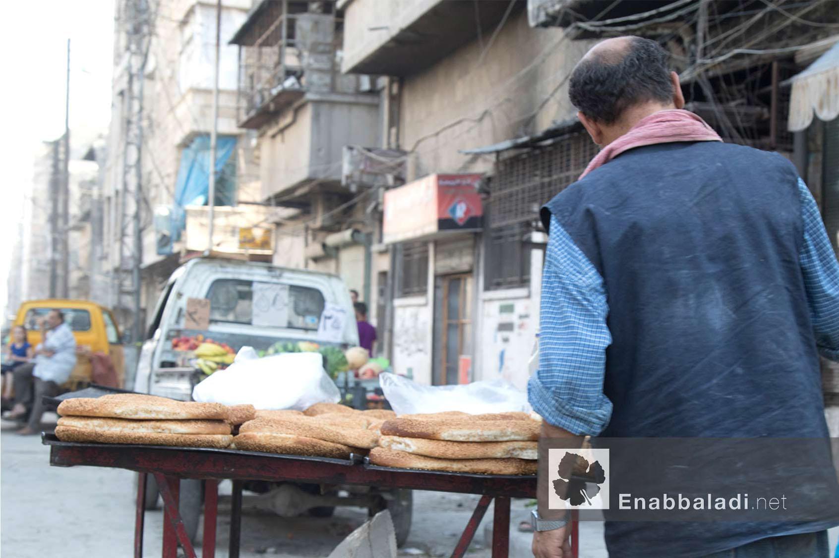 بائع معروك في مدينة حلب خلال رمضان - 13 حزيران 2016 - (عنب بلدي)