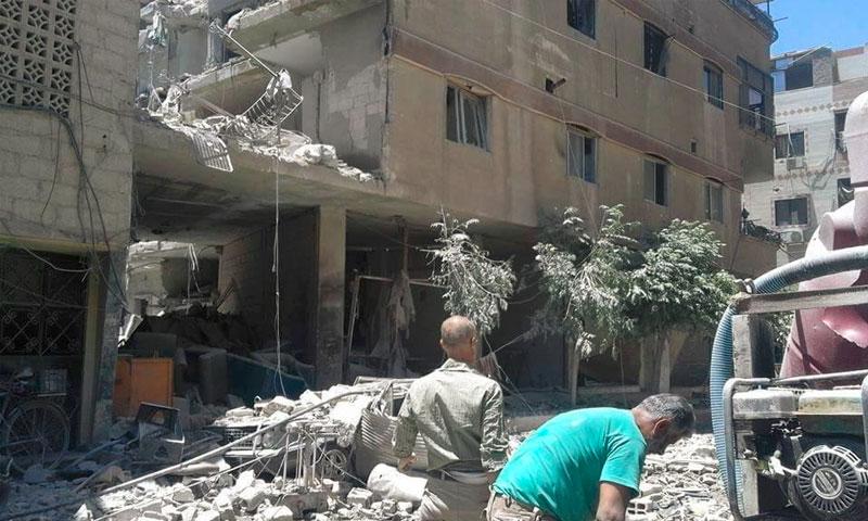 آثار الغارات على كفربطنا في الغوطة الشرقية - 11 حزيران 2016 (ناشطون)