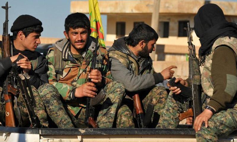 مقاتلون تابعون لوحدات حماية الشعب الكردية في حلب (إنترنت)