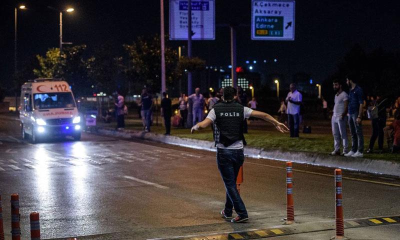 هجمات مطار اسطنبول، الثلاثاء 28 حزيران، أدت إلى مقتل 42 شخصًا بينهم أجانب (وكالات)