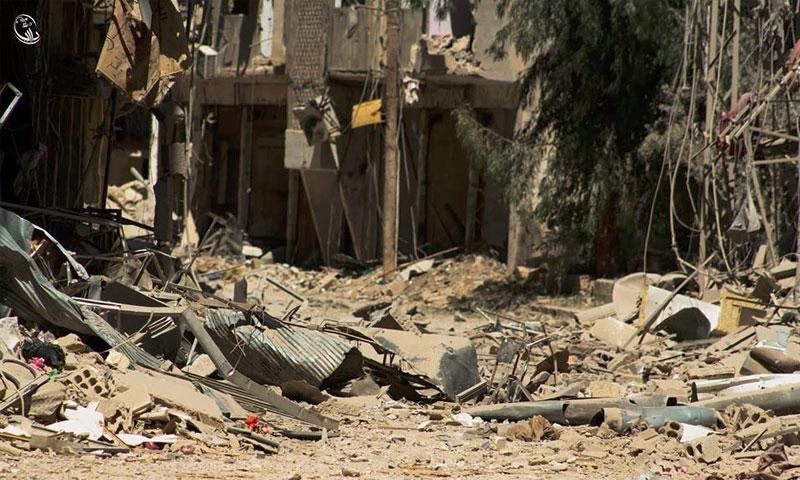 دمار كبير في المباني السكنية جراء القصف العنيف( المجلس المحلي في داريا)