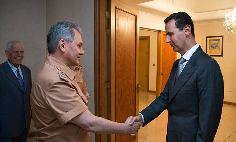 وزير الدفاع الروسي، سيرغي شويغو، وبشار الأسد 18 حزيران (تويتر)