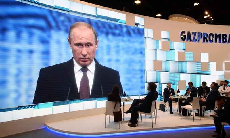 الرئيس الروسي، فلاديمير بوتين، خلال كلمته في المنتدى (سبوتنيك)