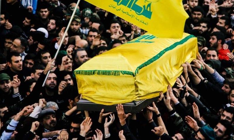 أرشيفية- تشييع أحد مقاتلي حزب الله اللبناني (إنترنت)