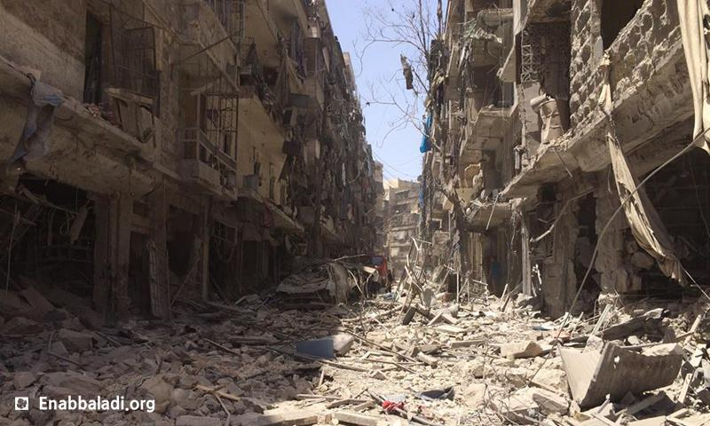 الدمار الذي خلفته غارات جوية على حي كرم الجبل في مدينة حلب، الأحد 5 حزيران (عنب بلدي).