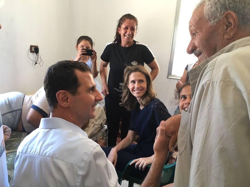 الأسد في ريف حمص - الخميس 7 تموز (صفحة رئاسة الجمهورية السورية)