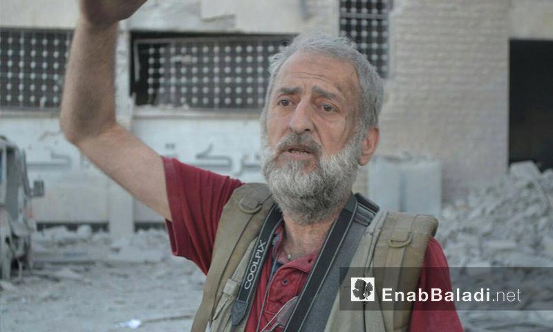 مدير الطبابة الشرعية في حلب، محمد كحيل، عقب استهداف المبنى - الأربعاء 21 تموز (عنب بلدي)