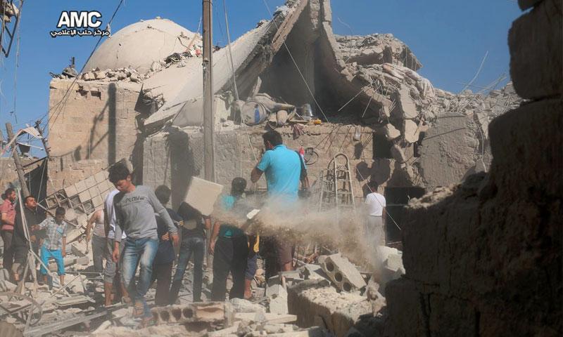 آثار القصف على حي المعادي في مدينة حلب - السبت 16 تموز (مركز حلب الإعلامي)