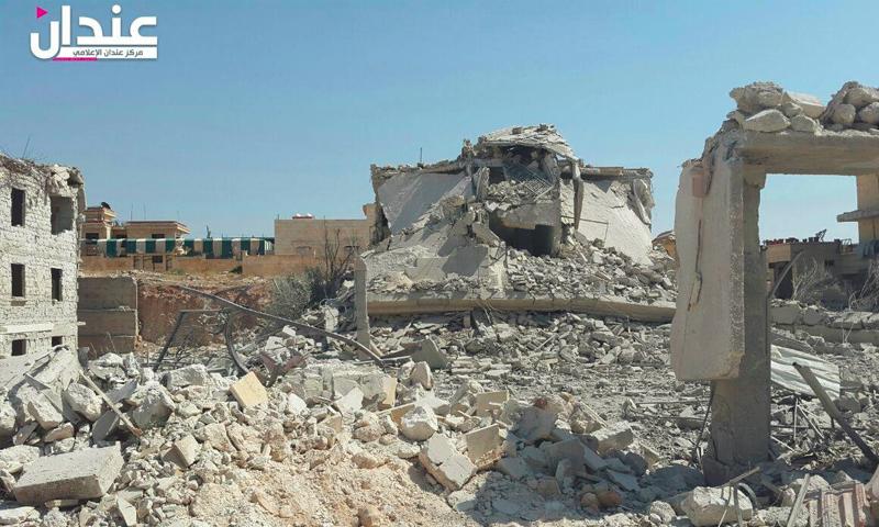 آثار القصف على عندان شمال حلب - الأربعاء 6 تموز (مركز عندان الإعلامي)