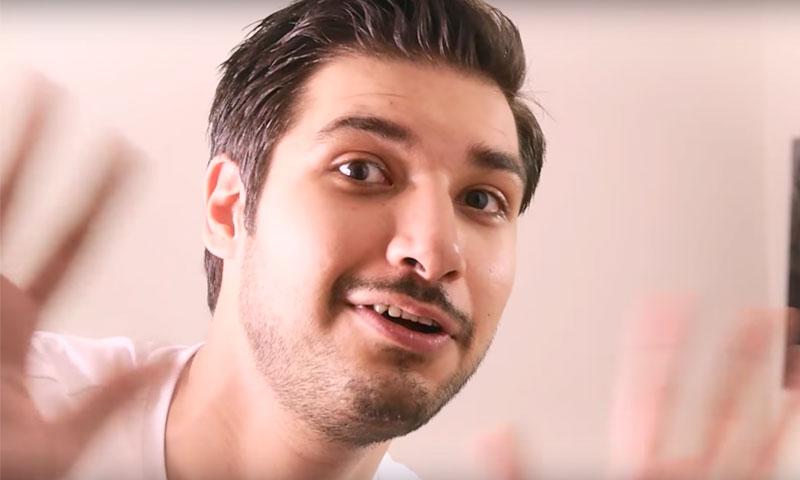 """عبد الرحمن دندشي، مقدم برنامج """"حمصوود"""" في يوتيوب"""