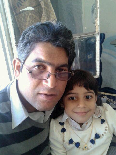 أحمد وابنته ريماس التي توفيت في لبنان متأثرة بالمرض