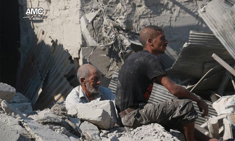من المجزرة التي ارتكبها الطيران في حي المعادي صباح 16 تموز(مركز حلب الإعلامي)