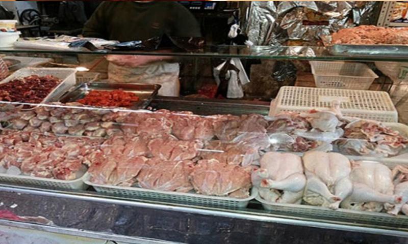 بسطة من الفروج في أحد أسواق دمشق (انترنت)