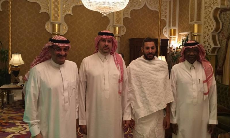 كريم بنزيمة ورئيس الهيئة العامة للرياضة، عبد الله بن مسعد( تويتر)