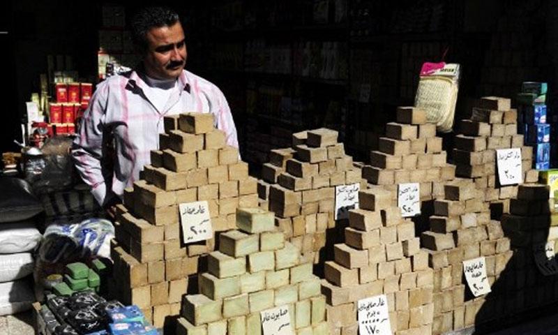 بائع صابون في حلب 7-كانون الثاني -2012 (AFP