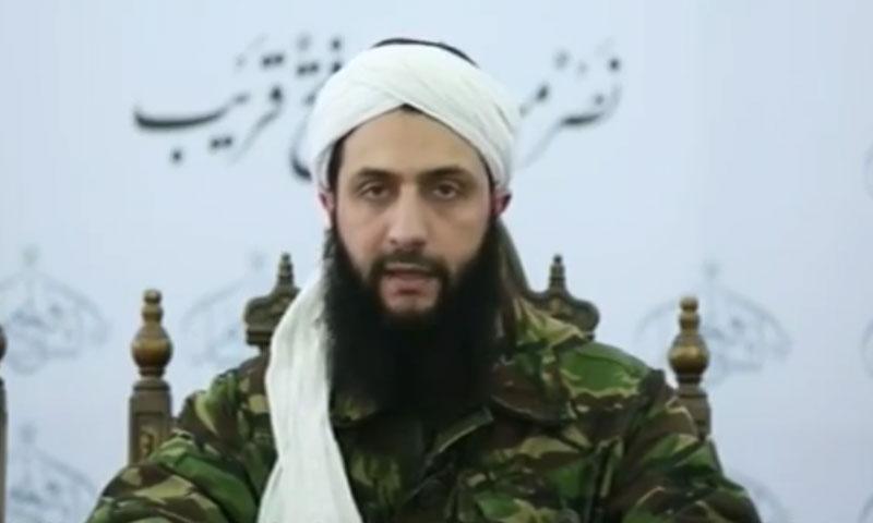 """أبو محمد الجولاني، المسؤول العام لـ """"جبهة فتح الشام"""" (يوتيوب)"""