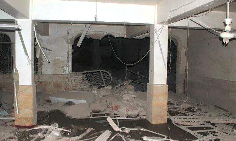 آثار القصف على مسجد الحجاز في مدينة إدلب - الخميس 21 تموز (مركز إدلب الإعلامي)