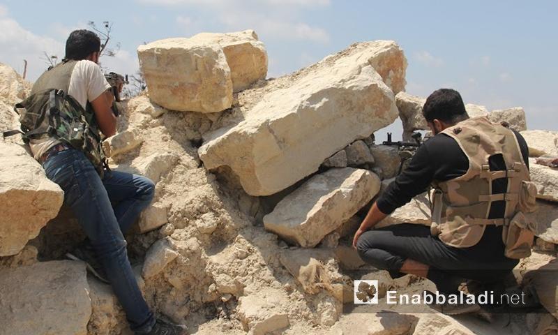 مقاتلو المعارضة على محاور جبهات القتال في ريف اللاذقية - الخميس 30 حزيران (أرشيف عنب بلدي)