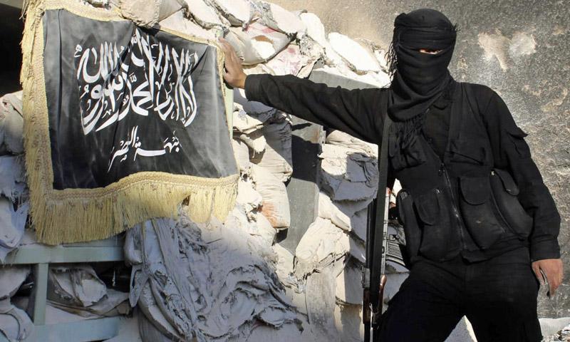 """تعبيرية: مقاتل من """"جبهة النصرة"""" في سوريا (إنترنت)"""