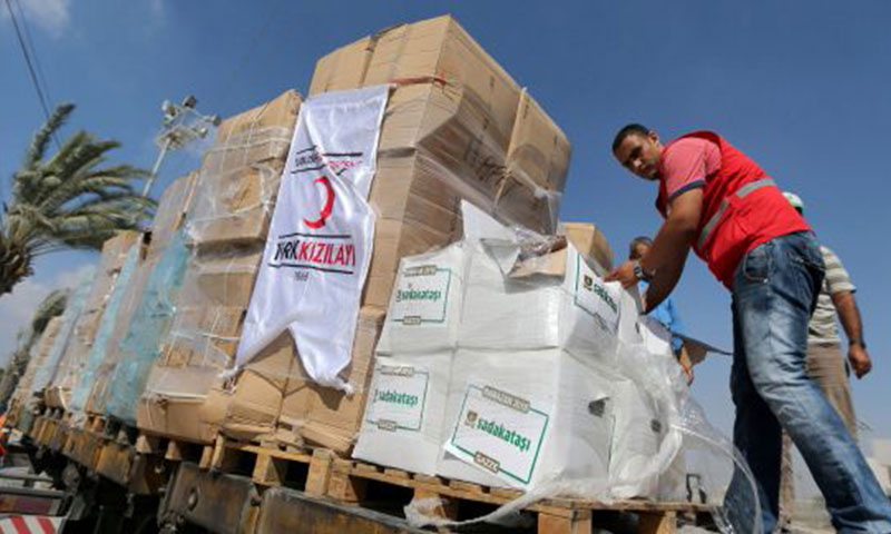 شحنات المساعدات التركية إلى قطاع غزة (رويترز)