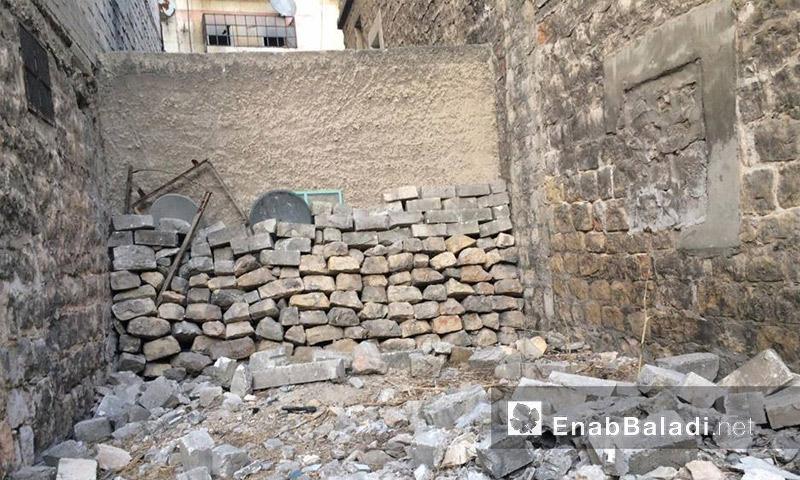 حديقة المنزل المهدمة قبل البدء بإصلاحها (عنب بلدي)