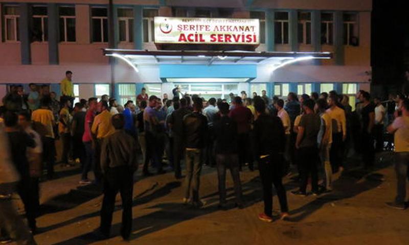 تجمع اقرباء التركي أمام المشفى في قونيا (haberturk)