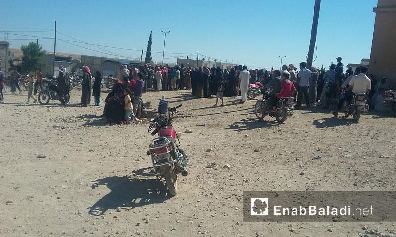 نازحون من منبج في قرية قلقلة قرب سد تشرين- الجمعة 15 تموز (عنب بلدي)