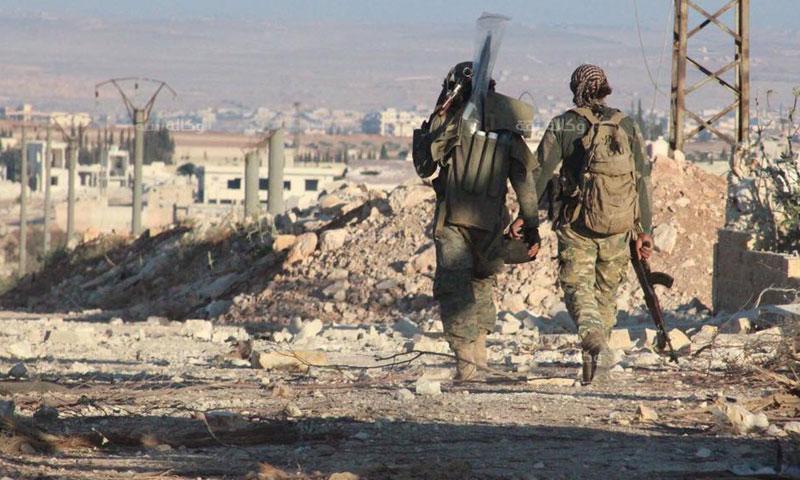 عناصر من الجيش الحر في منطقة الملاح شمال حلب- الأحد 3 تموز (وكالة ثقة)