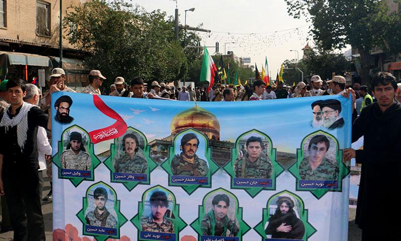 """أرشيفية- تشييع قتلى ميليشيا """"زينبيون"""" الباكستانية في إيران"""