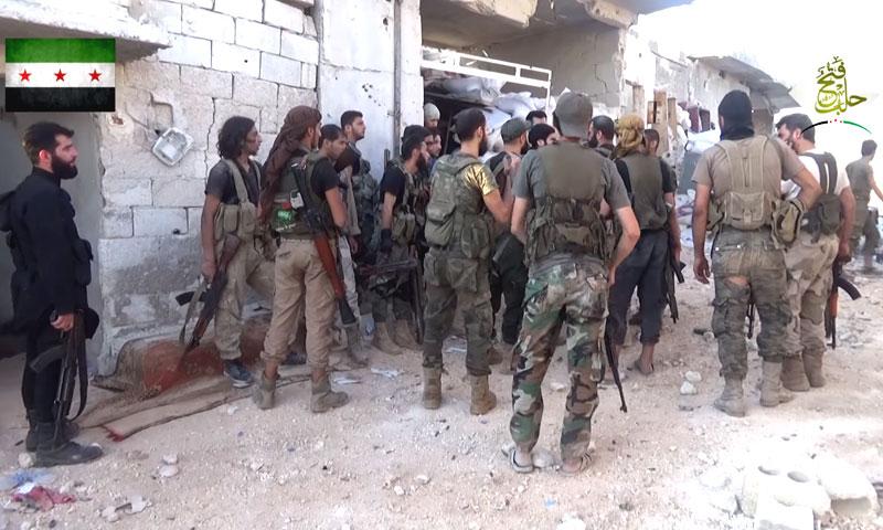 """مقاتلون من """"الجيش الحر"""" في مخيم حندرات- الجمعة 22 تموز (فتح حلب)"""