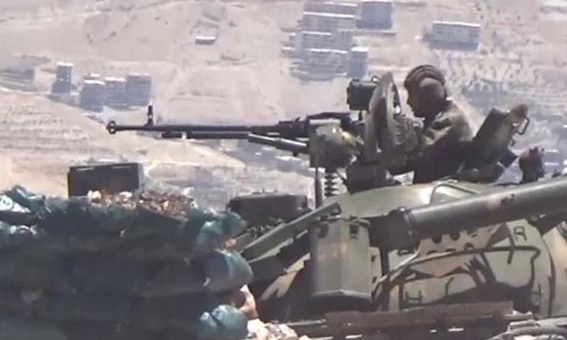 آلية عسكرية لقوات الأسد في محيط قرية هريرة- الجمعة 22 تموز (الإعلام الحربي)