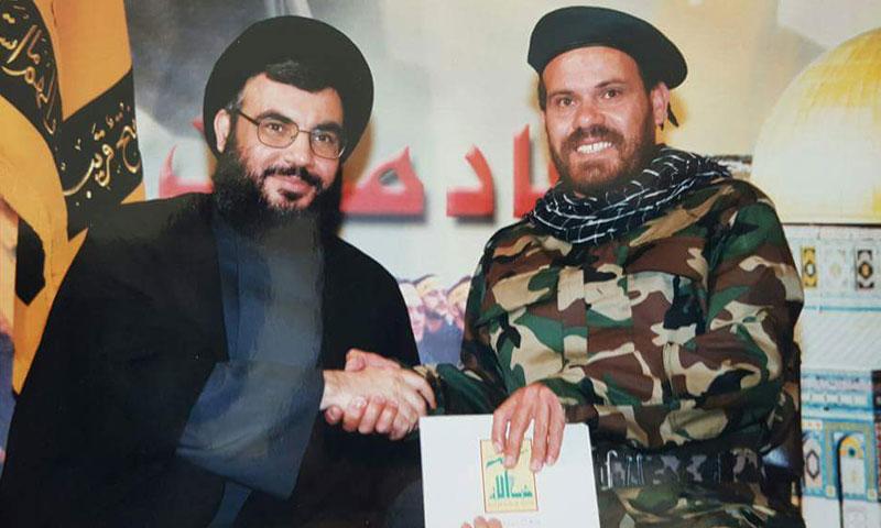 إسماعيل زهري إلى جانب حسن نصر الله (فيس بوك)