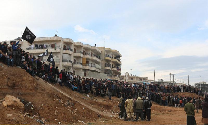 """أرشيفية- إقامة حد """"الرجم"""" على رجل وامرأة في مدينة منبج بتهمة """"الزنا"""" (ولاية حلب)"""